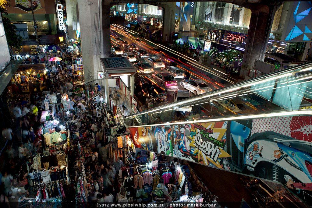 siam-night-market-long-exposure
