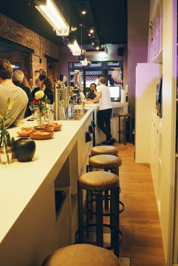 City Hub self service bar