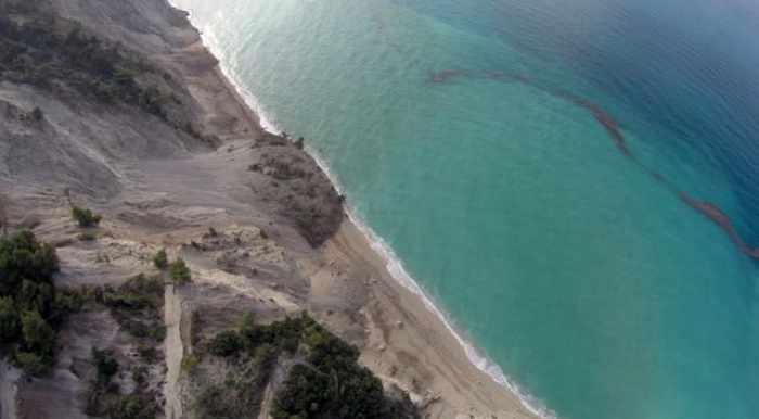 Egremni-beach-on-Lefkada-photo-02-by-Antonis-Nikolopoulos-for-Eurokinissi-press-agency