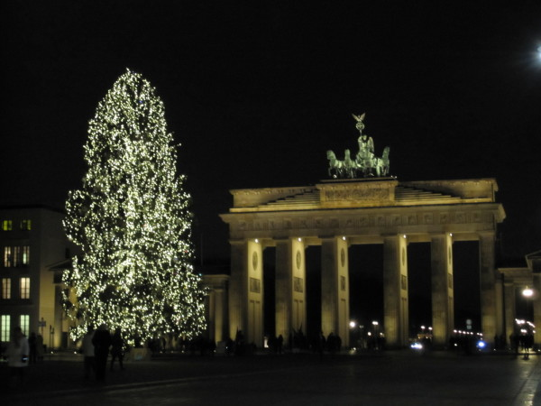brandenburger-tor-in-christmas-ambiance