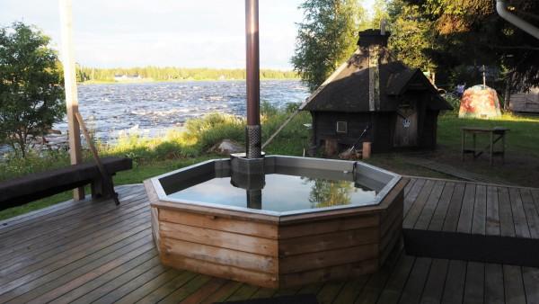 Hut Tub in Kukkolaforsen