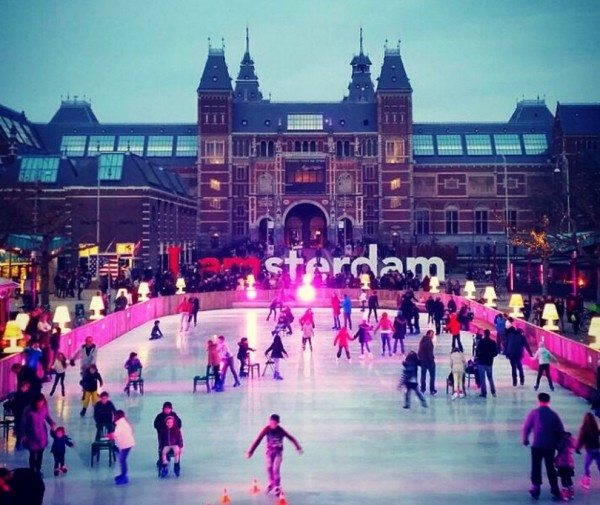 6 cool christmas markets in amsterdam this month