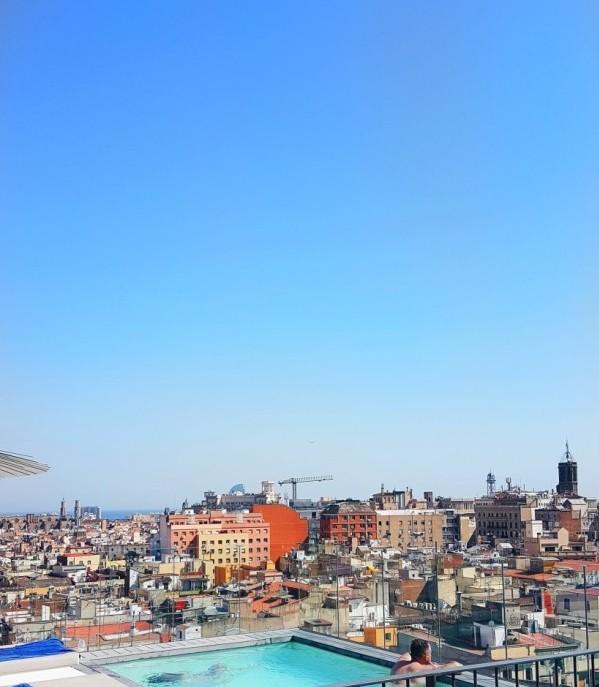 Yurbban Hotel Rooftop, Wanderlust Barcelona Guide