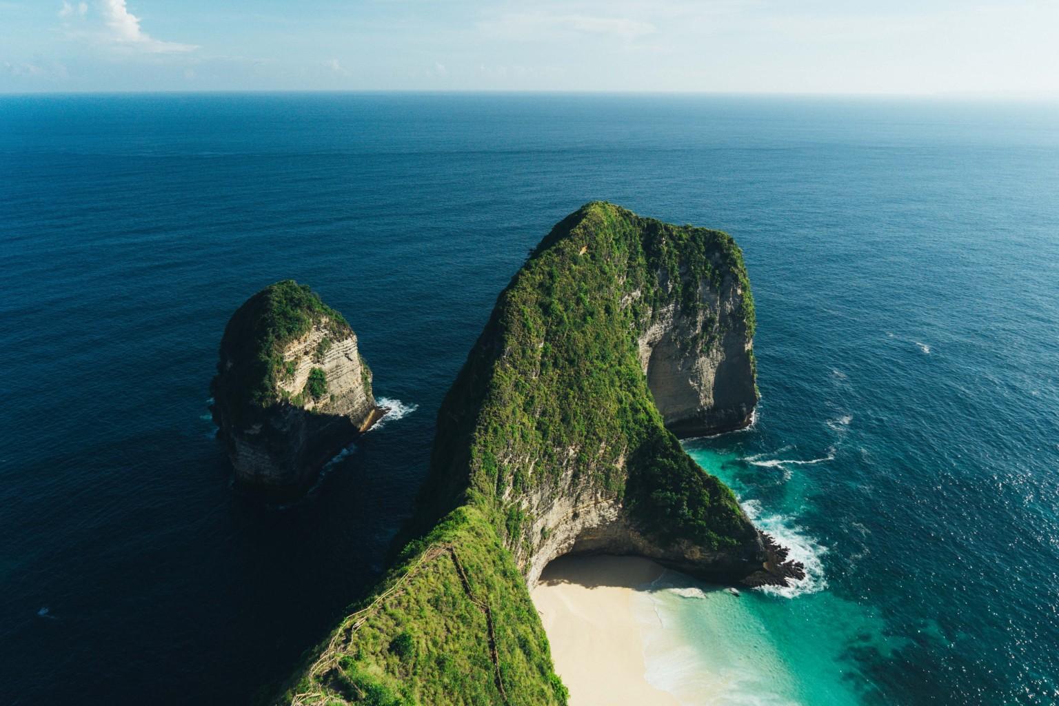 Nusa's, Indonesia