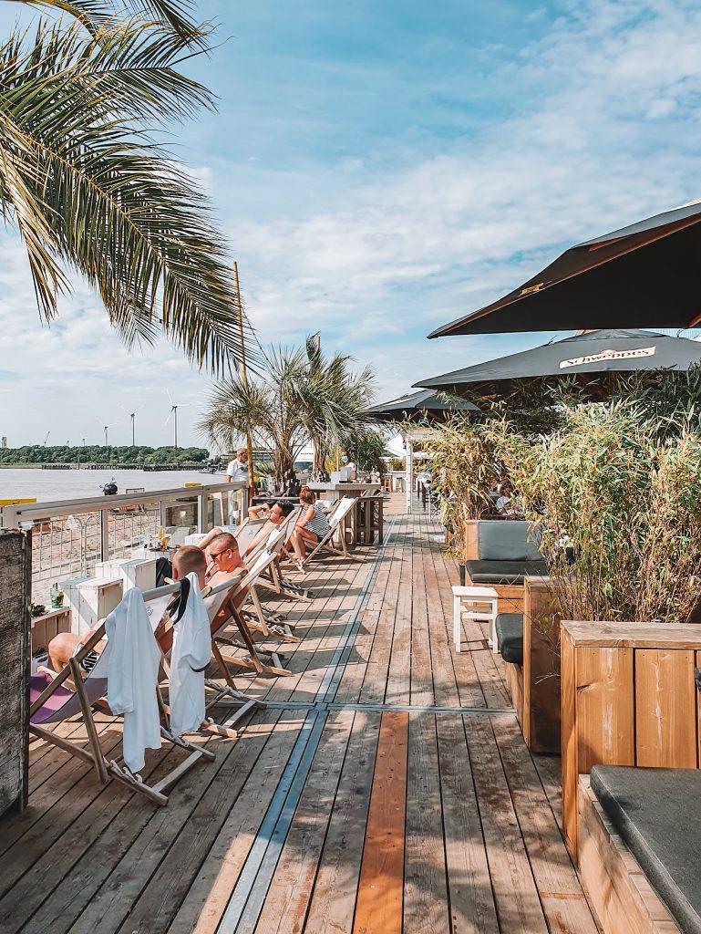Bocardero beach bar