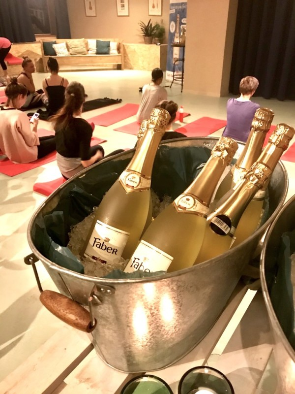 wine-yoga-event-amsterdam-2