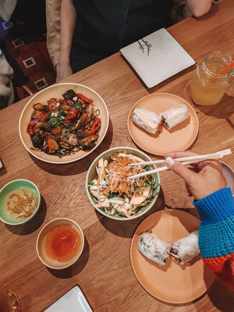 ĂnĂn Vietnamese Streetfood