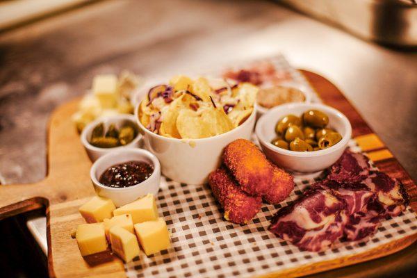 snacks at Jeu de boules bar Utrecht
