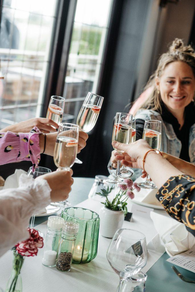 Champagne Almere