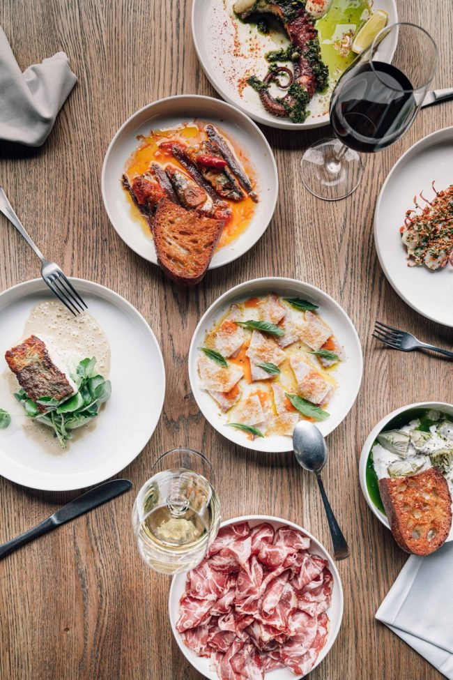 11x RESTAURANTS IN AMSTERDAM THAT OFFER HOME DELIVERY