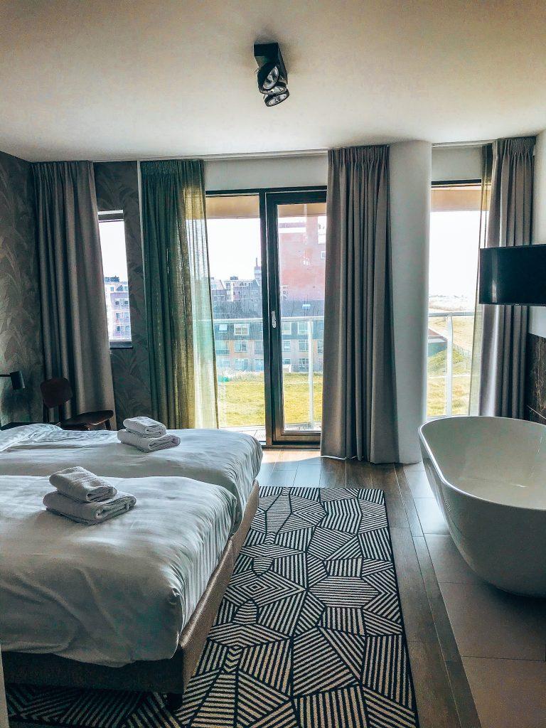 Maris Apartments, bedroom