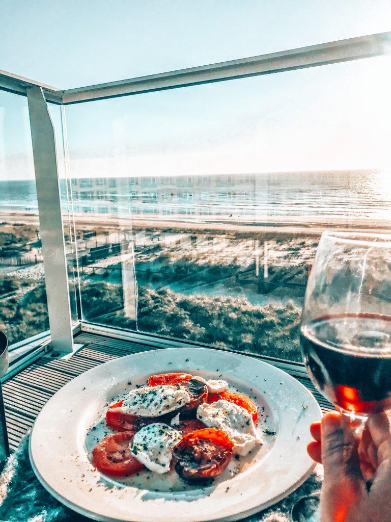 Dinner Maris Apartments