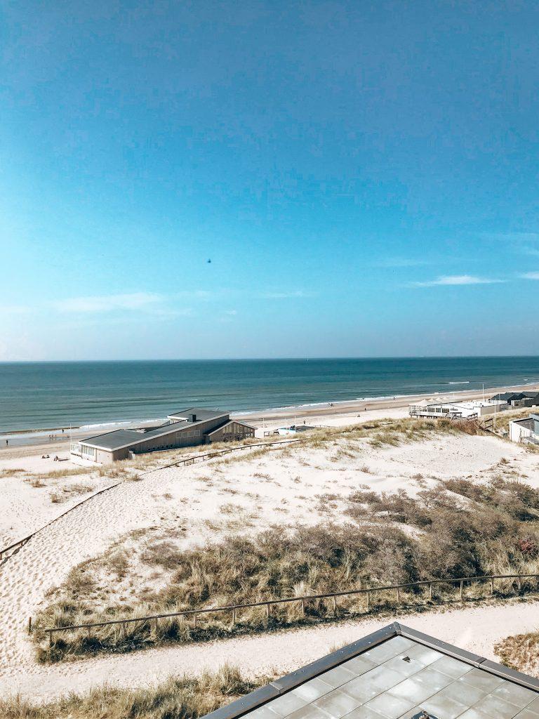 Maris Apartments, beach
