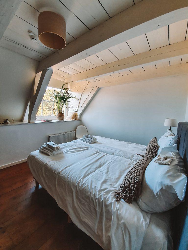 Affordable Bedroom Rococo