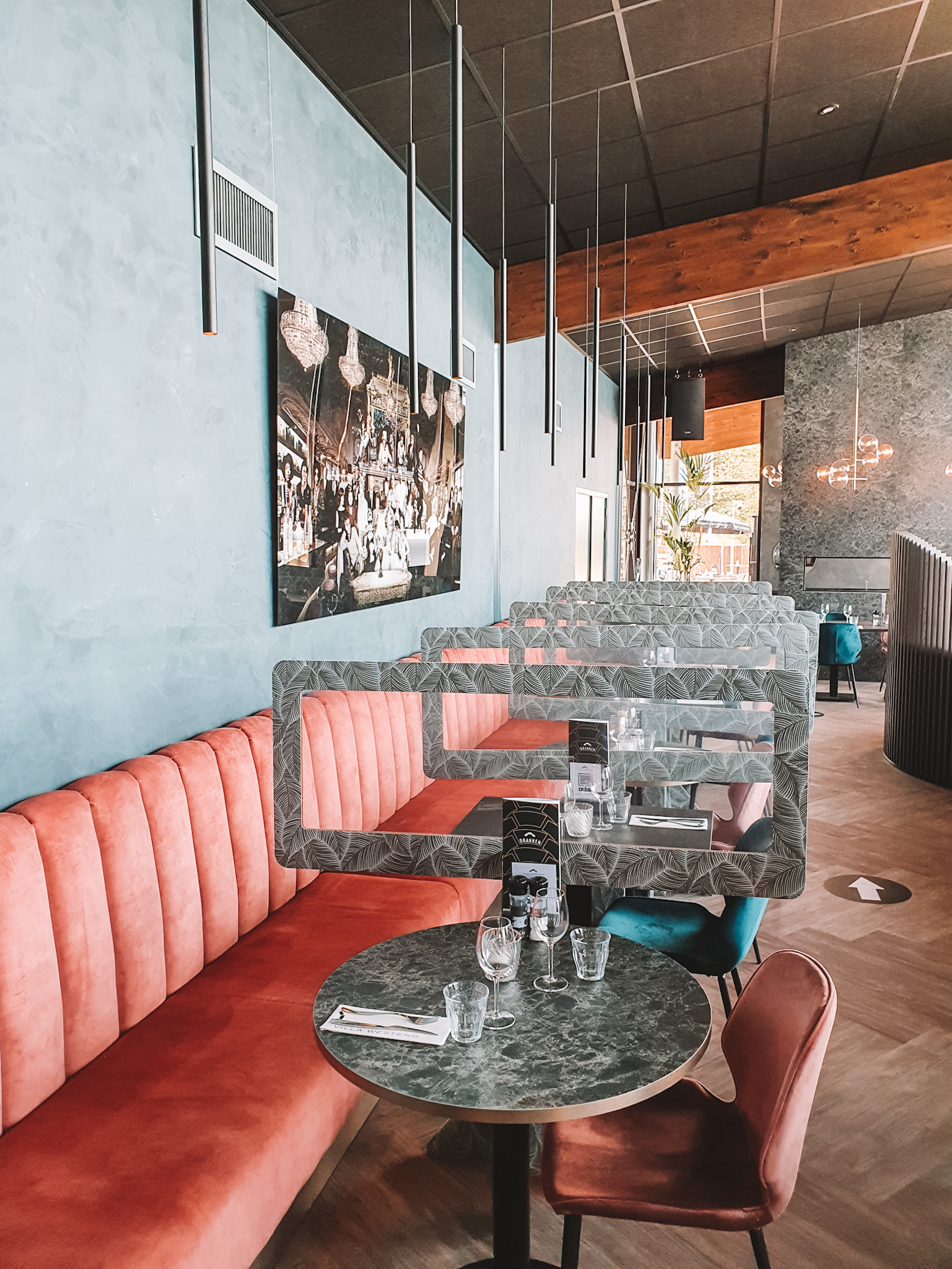 Villa Westend Corona Proof tables
