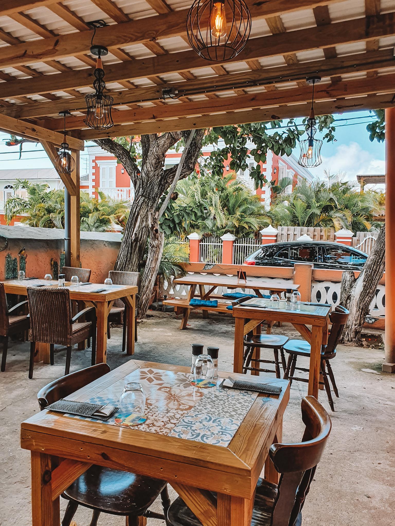 Maira's Curacao