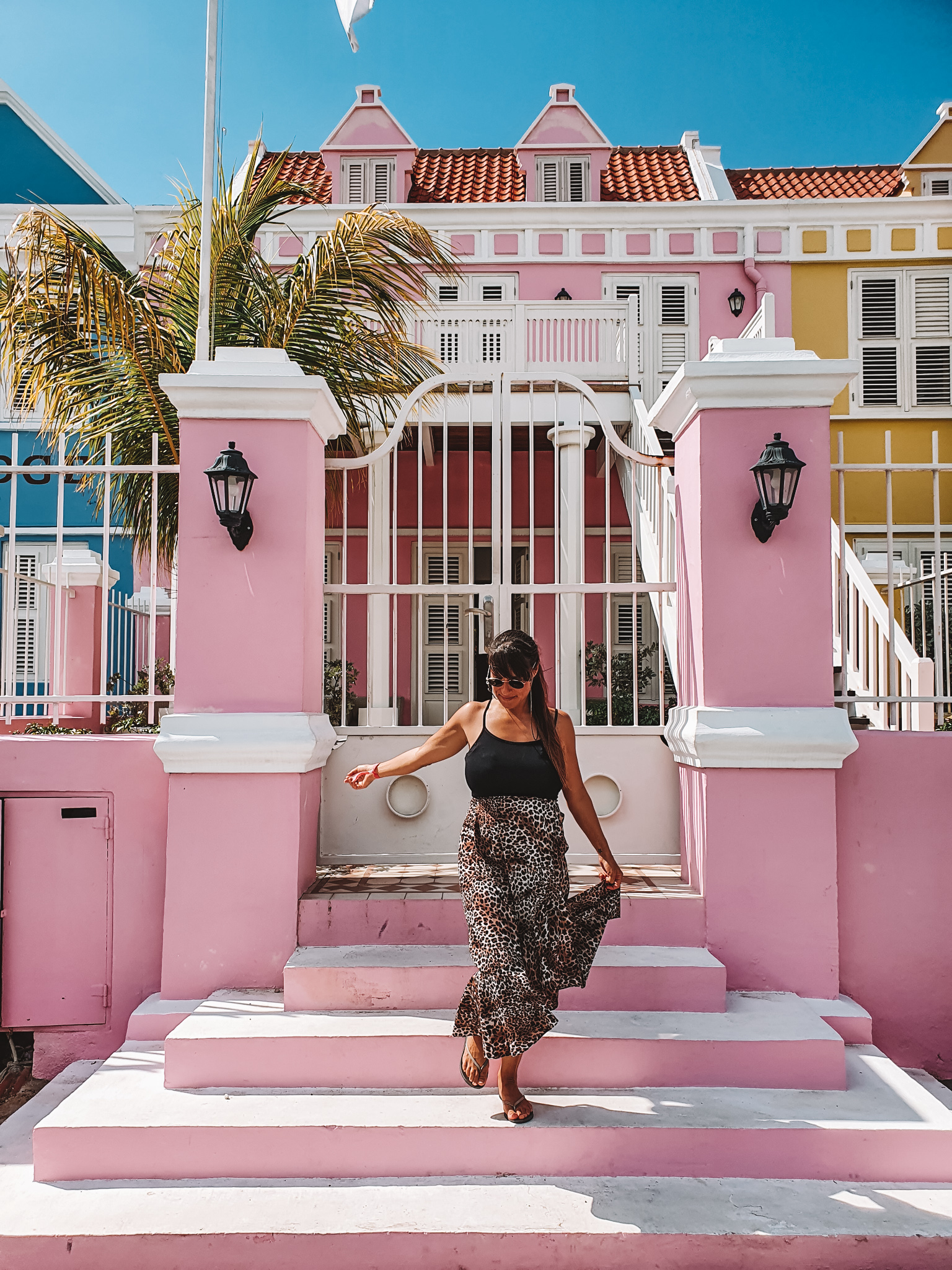 Wander-Lust at pink house, Pietermaai