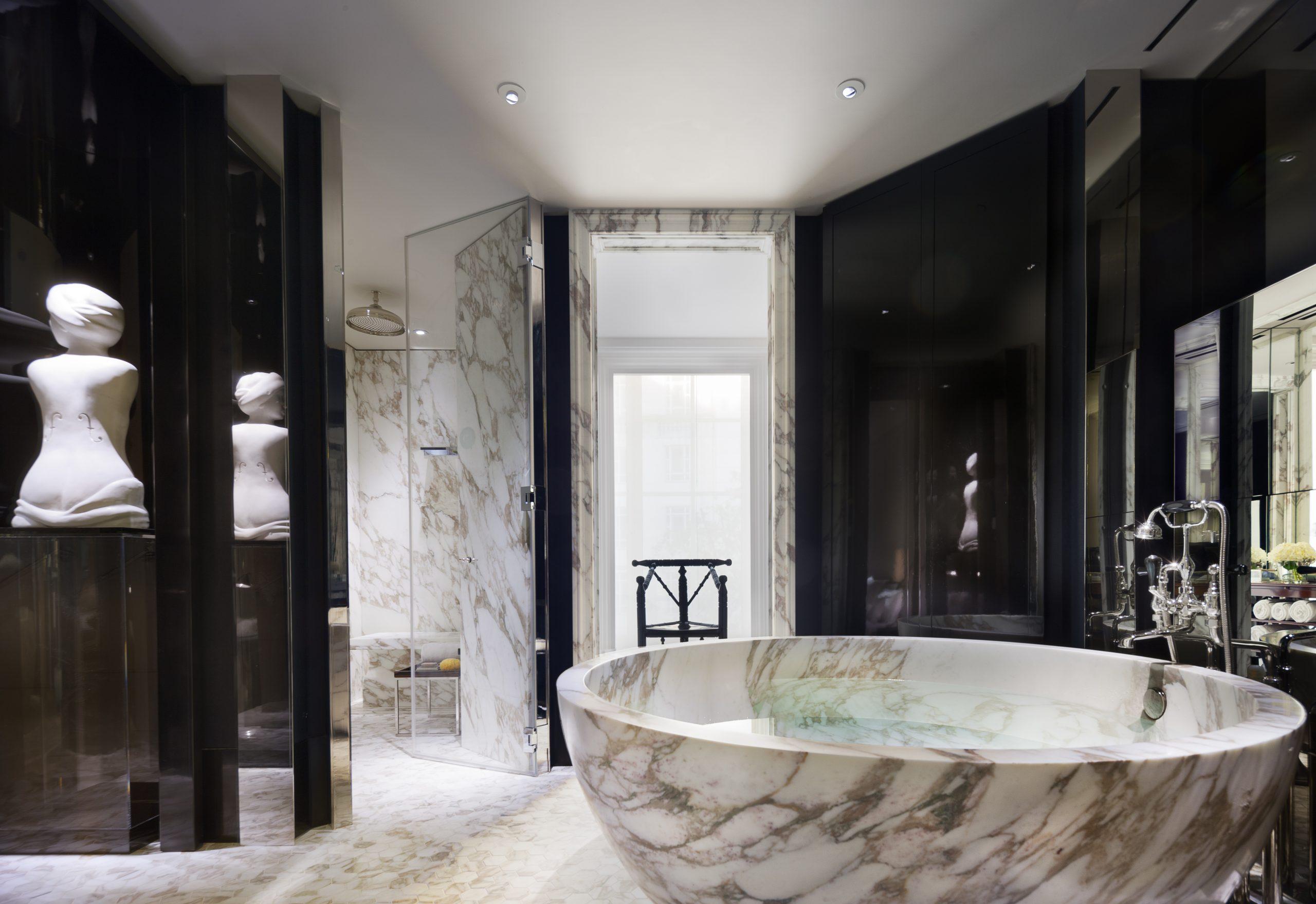 Rosewood London, Bathroom