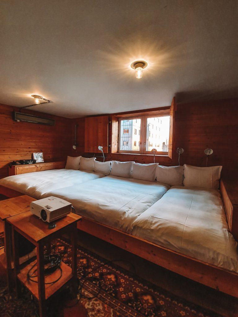 Beamer film room Lloyd Hotel