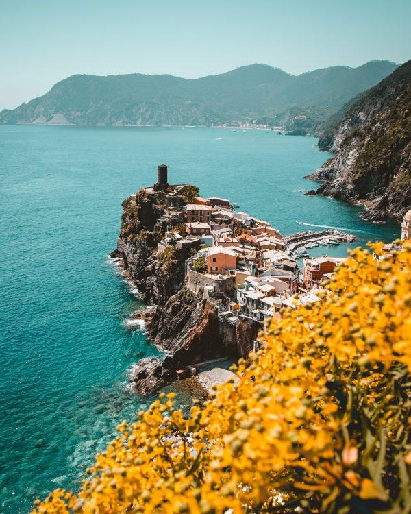 Italy yellow zone corona