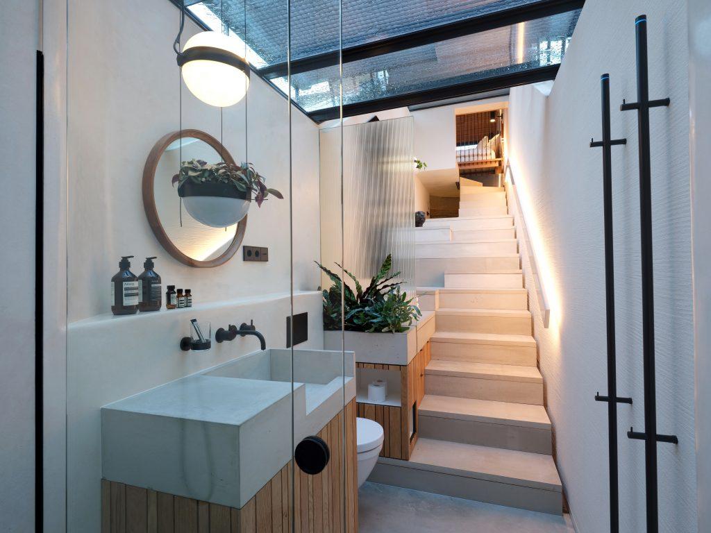 Bathroom Vondice