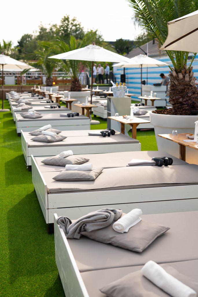 lounge beds insight beach breda